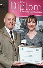 Reynolds Receive Award