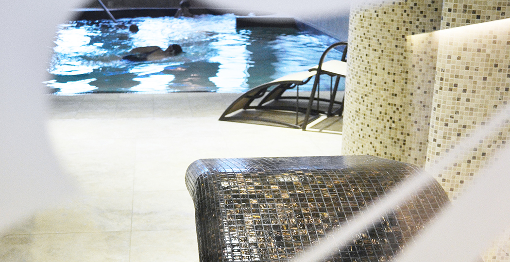 Sittingbourne Spa Pool & Lounger
